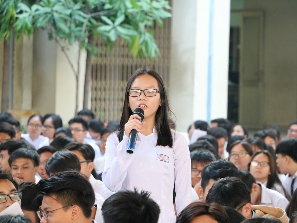 1.500 học sinh Trần văn Giàu tham dự chương tình Tư vấn pháp luật